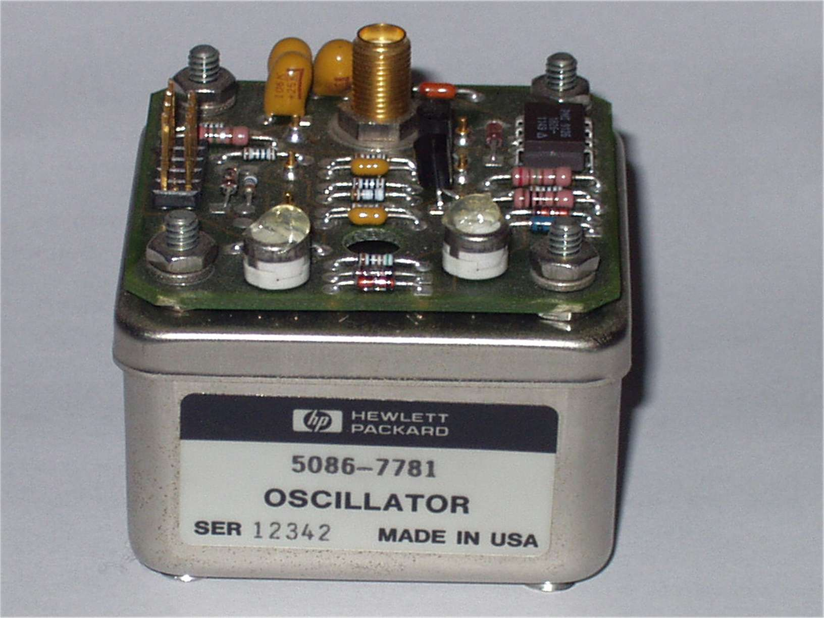 What Is An Oscillator Polytechnic Hub Electronic Circuit The Made Up Of Two Reactive Elements Inductor And Capacitor It Also Known As Tank In Produces A
